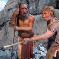 Ricostruzione di una coppia di Neanderthaliani nel Neanderthal-Museum (Neanderthal).