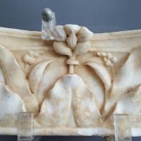 Capitello in marmo proveniente dal piazzale della Chiesa, metà I secolo d.C. circa (Massaciuccoli).